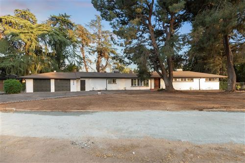 Photo of 5656 E Waverly Lane, Fresno, CA 93727 (MLS # 557351)