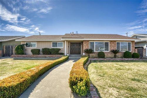 Photo of 325 Cambridge Avenue, Coalinga, CA 93210 (MLS # 555368)
