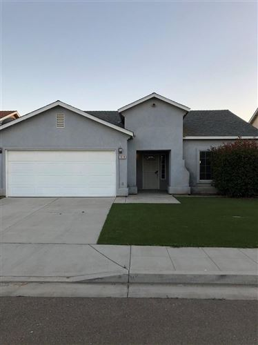 Photo of 1008 Don Miguel Street, Madera, CA 93638 (MLS # 542382)