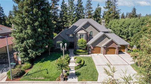 Photo of 195 W Riverridge Avenue, Fresno, CA 93711 (MLS # 561382)