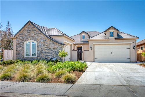 Photo of 1406 Whiteash Avenue, Clovis, CA 93619 (MLS # 557384)