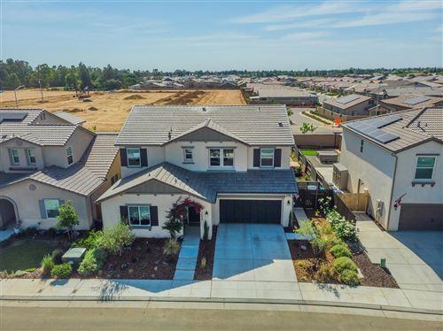 Photo of 1698 N Whitmore Avenue, Clovis, CA 93619 (MLS # 559388)