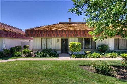 Photo of 4906 N Sequoia Avenue #104, Fresno, CA 93705 (MLS # 542390)