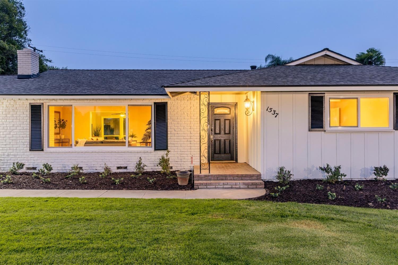 1537 W Robinwood, Fresno, CA 93711 - #: 548392