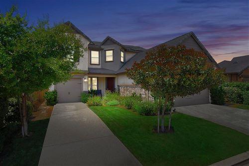 Photo of 1652 N Broadbent Lane, Clovis, CA 93619 (MLS # 559397)