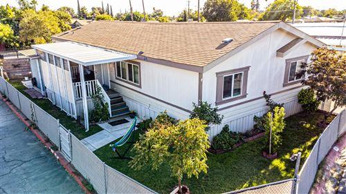 Photo of 3550 N Duke Avenue, Fresno, CA 93727 (MLS # 566417)