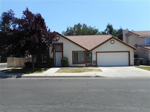 Photo of 993 N Bush Avenue, Clovis, CA 93611 (MLS # 559427)