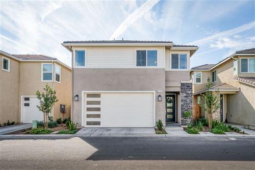 Photo of 3772 Longford Way, Clovis, CA 93619 (MLS # 568429)