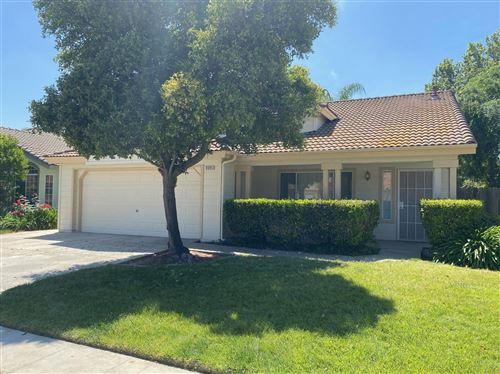Photo of 5595 W Chennault Avenue, Fresno, CA 93722 (MLS # 559438)