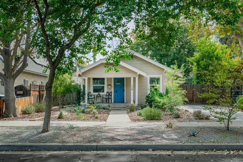 Photo of 526 E Simpson Avenue, Fresno, CA 93704 (MLS # 568439)