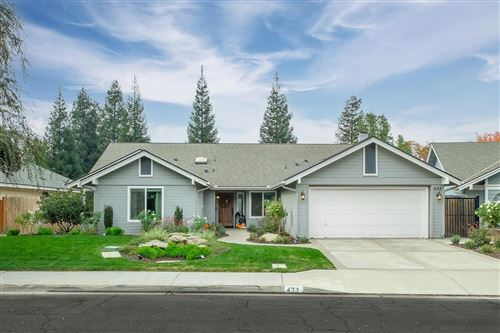 Photo of 433 E Shelldrake Circle, Fresno, CA 93730 (MLS # 551447)
