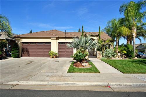 Photo of 7370 N Moosoolian Avenue, Fresno, CA 93722 (MLS # 559450)