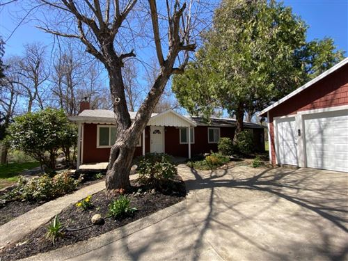 Photo of 45411 Lauri Lane, Oakhurst, CA 93644 (MLS # 557451)