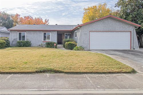 Photo of 1650 Santa Ana Avenue, Clovis, CA 93611 (MLS # 551469)