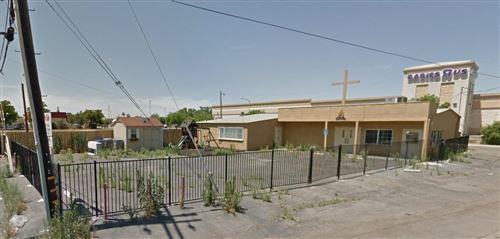 Photo of 81 E Pinedale Avenue, Pinedale, CA 93650 (MLS # 551471)