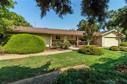 Photo of 1342 W Dovewood Lane, Fresno, CA 93711 (MLS # 566471)