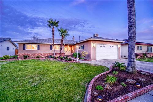 Photo of 4474 N Dearing Avenue, Fresno, CA 93726 (MLS # 555479)