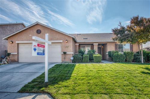 Photo of 5859 W Fedora Avenue, Fresno, CA 93722 (MLS # 551487)