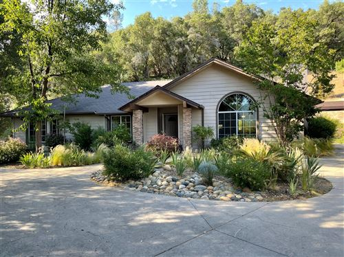 Photo of 52171 Echo Valley View Court, Oakhurst, CA 93644 (MLS # 560489)