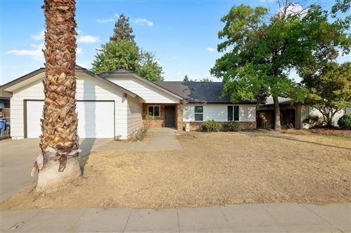 Photo of 8263 N Poplar Avenue, Fresno, CA 93711 (MLS # 566512)