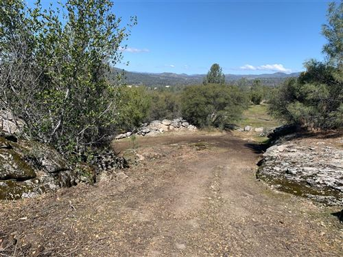 Photo of 21 E Quartz Mountain Road, Coarsegold, CA 93614 (MLS # 556518)