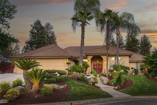 Photo of 908 E Windsor Circle, Fresno, CA 93720 (MLS # 557527)