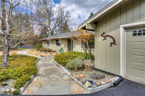 Photo of 49505 Meadowwood Road, Oakhurst, CA 93644 (MLS # 539539)
