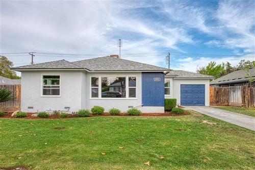 Photo of 2816 N Vagedes Avenue, Fresno, CA 93705 (MLS # 557557)