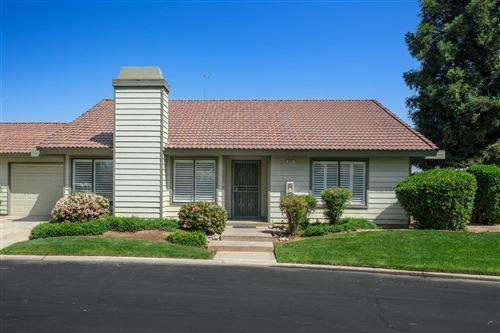 Photo of 634 E Magill Avenue, Fresno, CA 93710 (MLS # 557575)