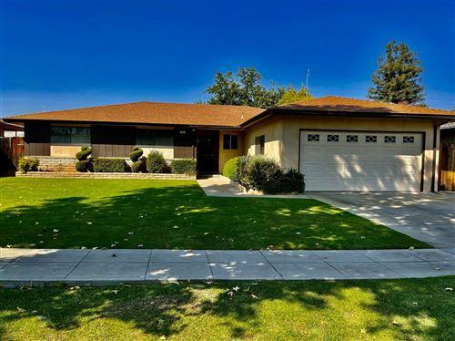 Photo of 710 E Vartikian Avenue, Fresno, CA 93710 (MLS # 566579)