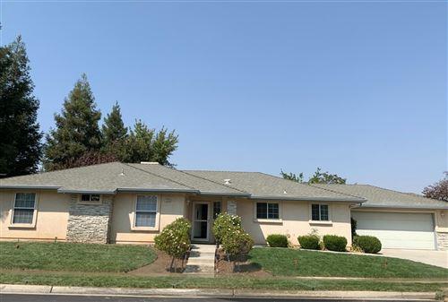 Photo of 223 W Escalon Avenue, Clovis, CA 93612 (MLS # 566589)
