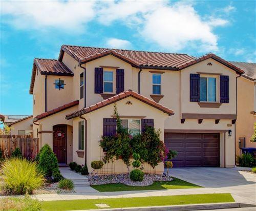 Photo of 2568 N Whittier Avenue, Fresno, CA 93727 (MLS # 557594)