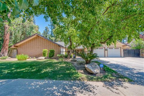 Photo of 8920 N Fuller Avenue, Fresno, CA 93720 (MLS # 560601)