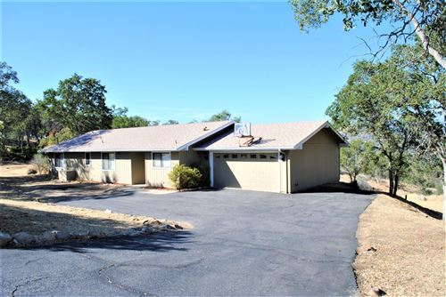 Photo of 30731 Roaring River Drive, Coarsegold, CA 93614 (MLS # 544614)