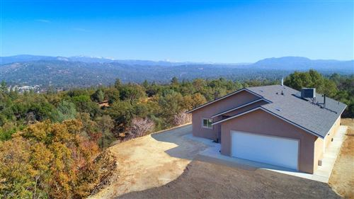 Photo of 48462 Foothill Drive, Oakhurst, CA 93644 (MLS # 547668)