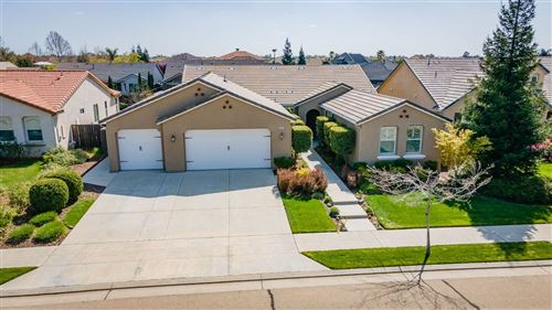 Photo of 3932 Serena Avenue, Clovis, CA 93619 (MLS # 557680)