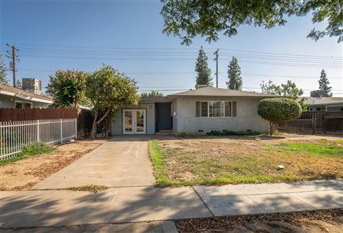 Photo of 841 W Swift Avenue, Fresno, CA 93705 (MLS # 566686)