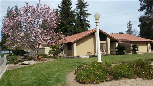 Photo of 1661 S Waverly Lane, Fresno, CA 93727 (MLS # 558688)