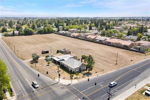Photo of 2843 Armstrong Avenue, Clovis, CA 93611 (MLS # 557689)