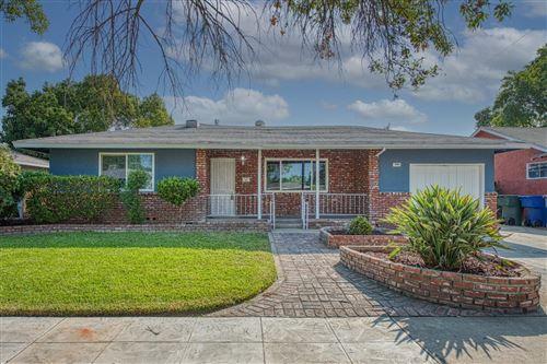 Photo of 3880 N Sequoia Avenue, Fresno, CA 93705 (MLS # 566690)