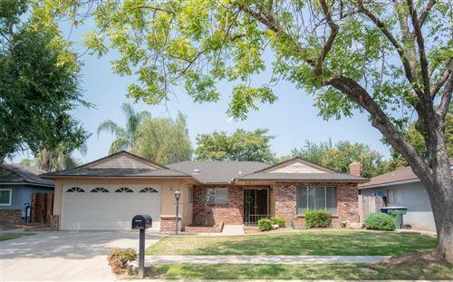 Photo of 6589 N Hayston Avenue, Fresno, CA 93710 (MLS # 563699)