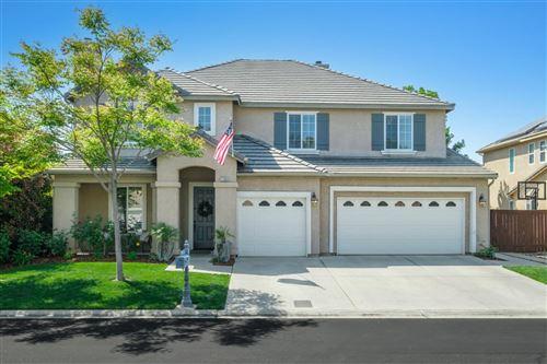 Photo of 11045 E Greenbury Way, Clovis, CA 93619 (MLS # 557706)