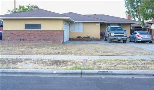 Photo of 3917 E Dayton Avenue, Fresno, CA 93726 (MLS # 560715)