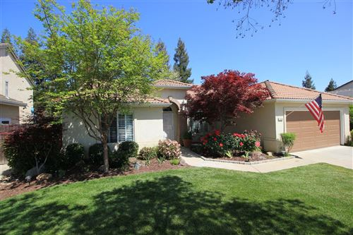 Photo of 2562 E Christopher Drive, Fresno, CA 93720 (MLS # 557726)