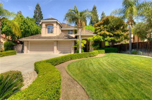 Photo of 9463 N Madison Ridge Road, Fresno, CA 93720 (MLS # 558747)