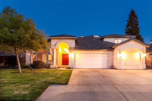 Photo of 8284 N McDonald Avenue, Fresno, CA 93720 (MLS # 557749)