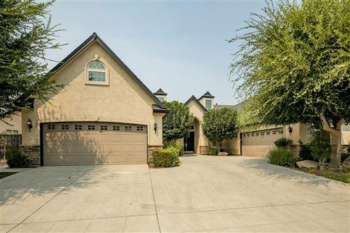 Photo of 419 W Loyola Avenue, Clovis, CA 93619 (MLS # 546751)