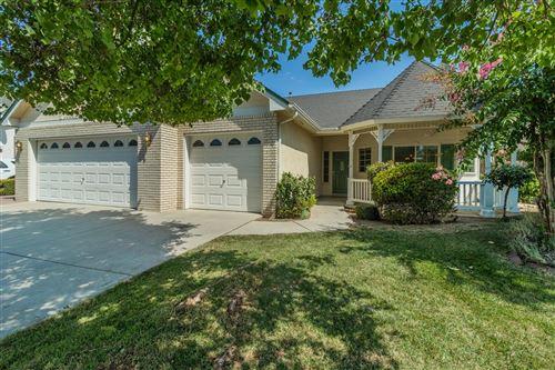 Photo of 181 W Serena Avenue, Clovis, CA 93619 (MLS # 563756)