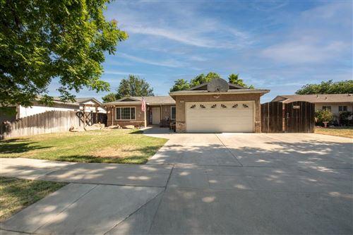 Photo of 3482 W Mesa Avenue, Fresno, CA 93711 (MLS # 560775)