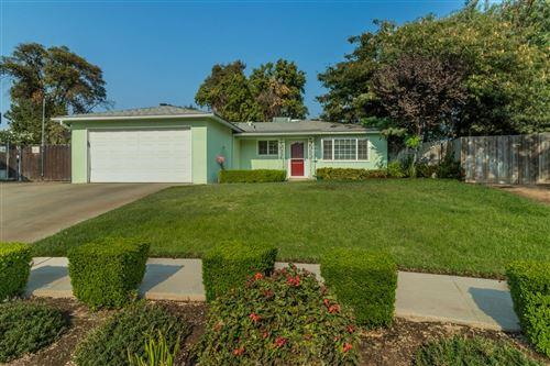 Photo of 4582 N Lead Avenue, Fresno, CA 93722 (MLS # 566778)